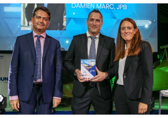 Damien Marc, CEO at JPB Système (center) with Stéphanie Lavigne, General Director at Toulouse Business School, and Thierry Cotelle, Regional Advisor Occitanie Pyrénées Méditerranée.