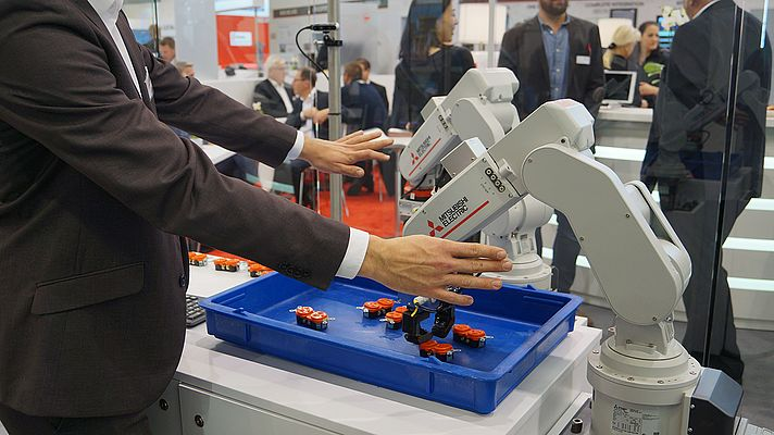 Mitsubishi Electric and Realtime Robotics Pave the Way for Collaborative Multi-Robot Work Cells