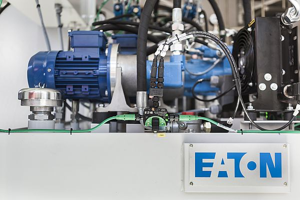 Eaton's SmartWire-DT reduces panel complexity