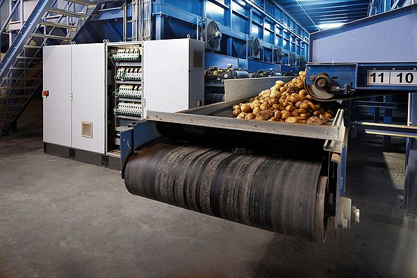 Intelligent bunker filling: Laser senors control the conveyor belts and ensure an even transport volume.