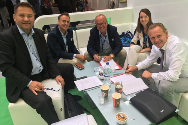 From left to right: Krzysztof Doroszkiewicz Distribution Lead at Tapflo Group, Hakan Ekstrand COO at Tapflo Group, Börje Johansson owner of Taplflo Group, Emelie Johansson, Gerard Santema EMEA Sales Director Industrial Pumps & Mixers at SPX FLOW