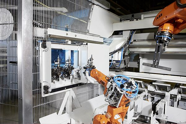 Robot-assisted systems are taking over more and more work steps, starting with removal of the cut parts and continuing through deburring, weighing, centring and marking, all the way to sorting and stacking