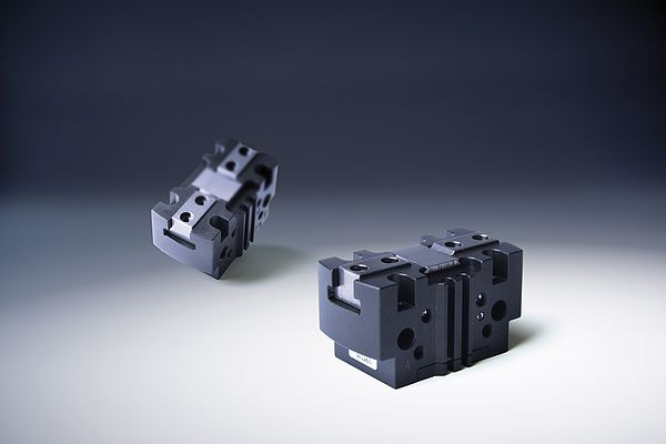 Series CGPT Self-centering Parallel Gripper