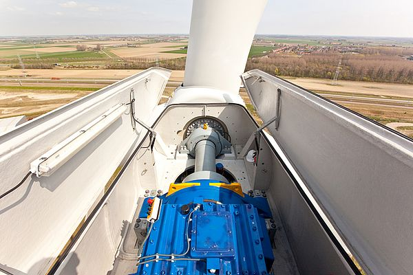 How To Improve Safety in Wind Turbine Gearbox Maintenance