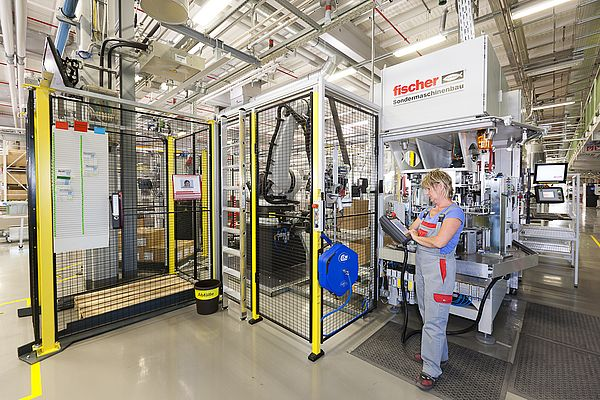 fischer Specialized Machinery primarily focuses on solutions for the Group's own companies
