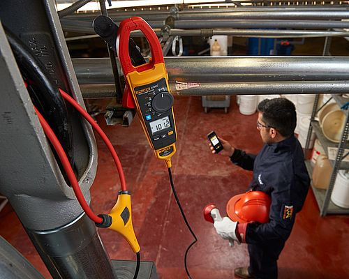 Connect®-enabled 370 FC Series Clamp Meters