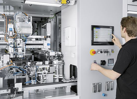 Concept of the SmartFactory: machines and systems that offer much greater flexibility in the Technology Plant (Photo: Festo AG & Co. KG)