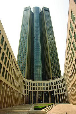 The new Tower 185 in Frankfurt reaches a height of 200m.