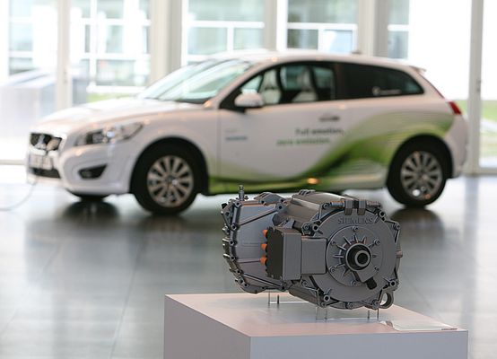 Siemens and Volvo Launch Electric Mobility Partnership