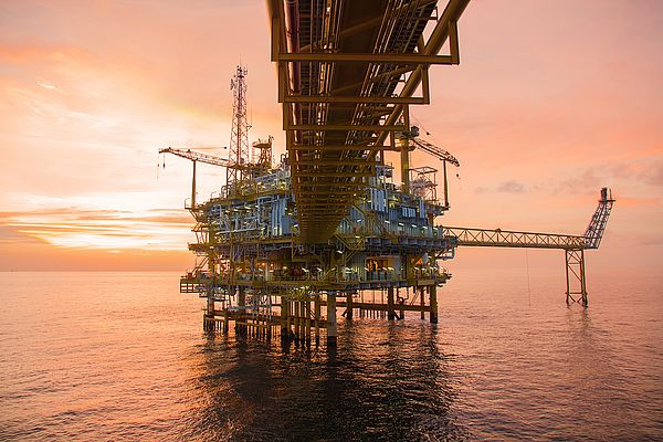 On offshore E&P platforms, it is important to choose power transmission solutions with optimal performance, durability and reliability