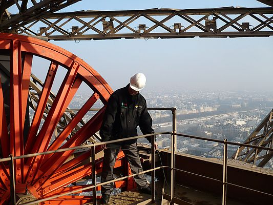 Ensuring safe elevator rides at the Eiffel Tower