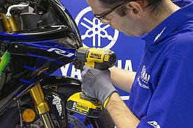 DEWALT Official Supplier di YAMAHA MOTOR RACING