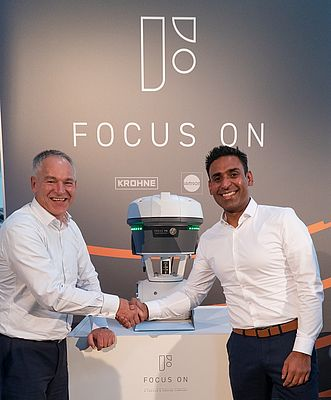 André Boer (left) and Kavreet Bhangu (right) introducing Focus-1 at the press conference