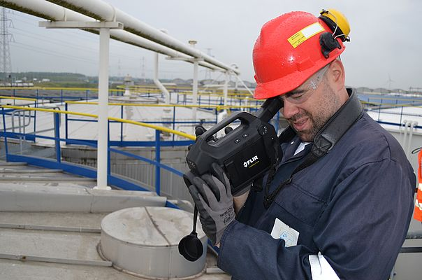 Tank Storage Monitoring With Intrinsically Safe Camera