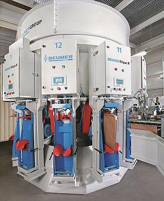 BEUMER Group has added the rotating filling machine BEUMER fillpac to its product portfolio and equipped it with extensive features