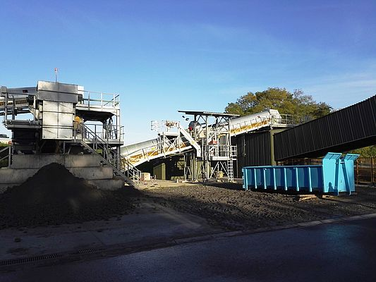 This is where the conveying begins. The material is transported from the stockpile onto the Pipe Conveyor