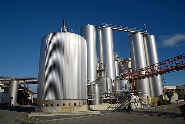 Steel storage vessels for milk and powdered milk